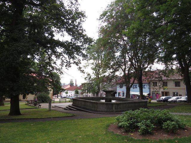 dolní část náměstí v Horní Plané