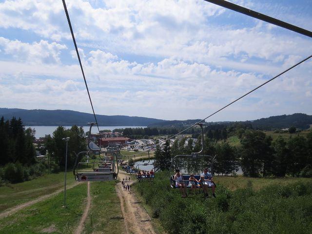 výhledy z lanovky cestou na dolní stanici; www.svatosi.cz
