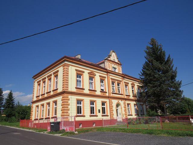 bývalá škola v Háji u Duchcova, kde učil Jan Zelenka-Hajský