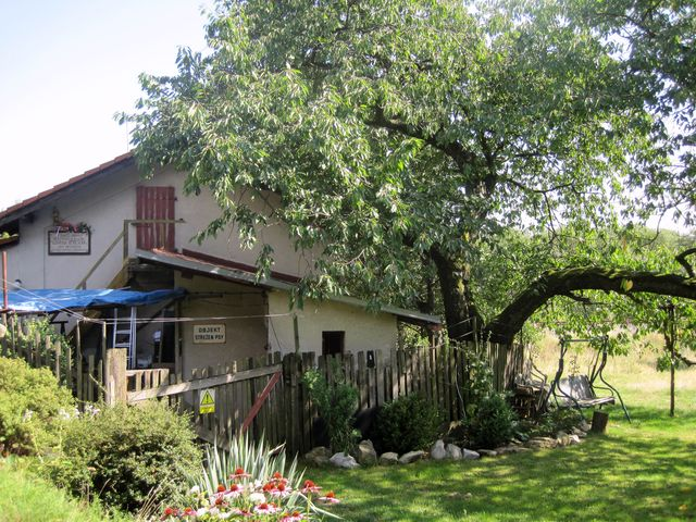 strážní domek u Domaslavic, rodiště Anny Vlčkové, je v soukromém vlastnictví