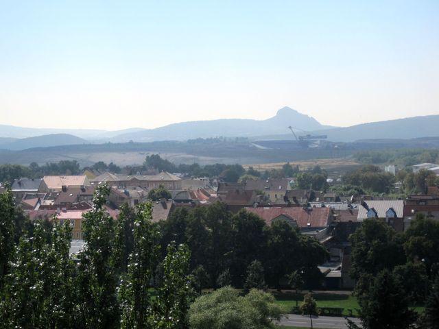 výhled na Bořeň ozdobený ramenem velkorypadla