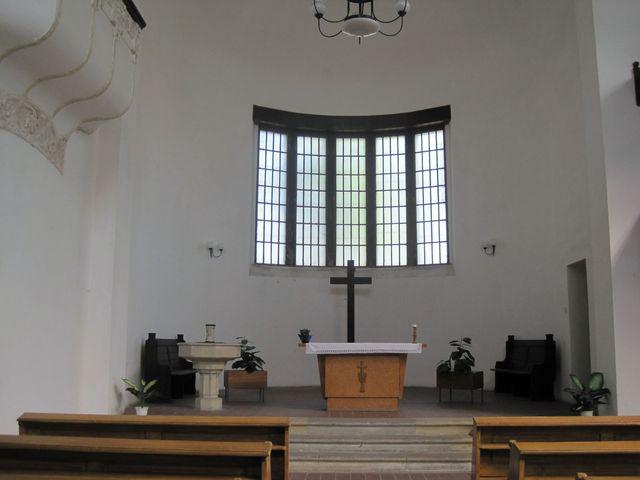 interiér evangelického kostela v Duchcově; bývají zde bohoslužby církve čsl. husitské