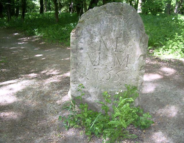 historický hraniční kámen z roku 1755