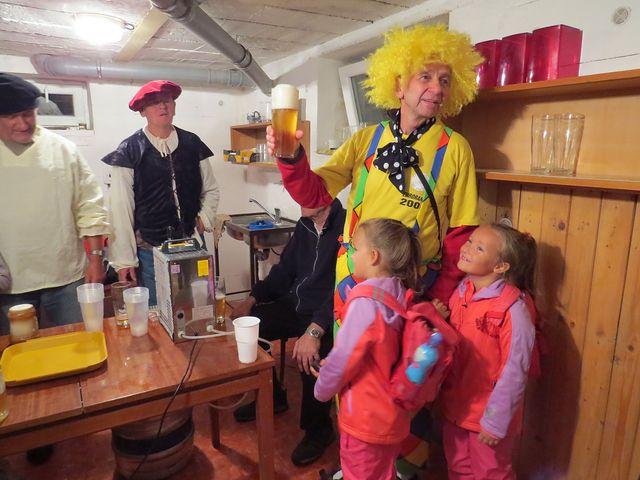děvčata by si bývala nejraději odvezla klauna sebou domů; www.svatosi.cz