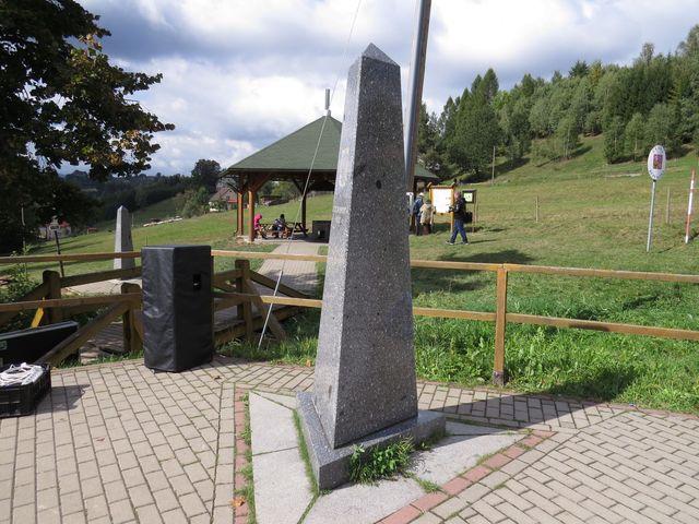 polský hraničník je necelých 20 metrů od českého