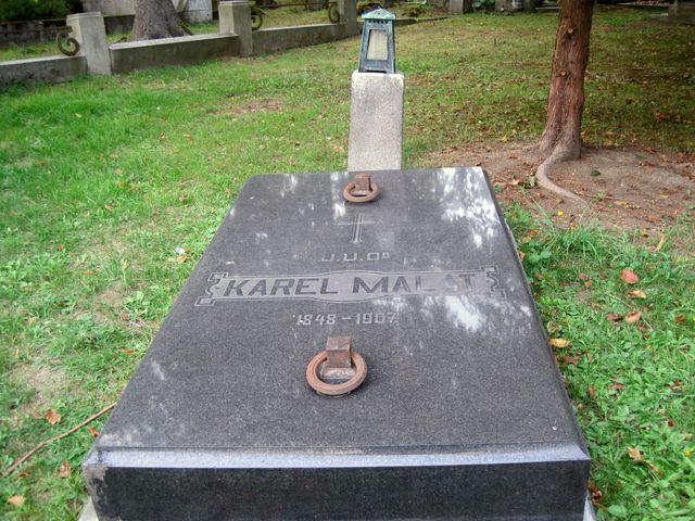 JUDr. Karel Malát se stal v roce 1896 předsedou jihlavského odboru KČT Praha