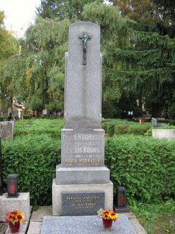hrob rodiny Kodayovy; www.svatosi.cz