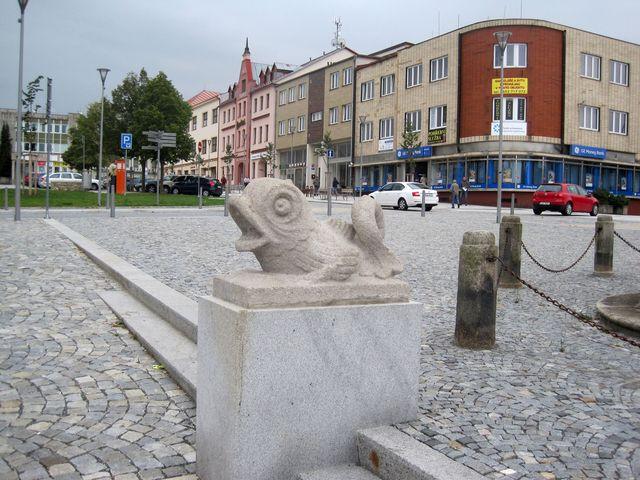 sochařská výzdoba náměstí