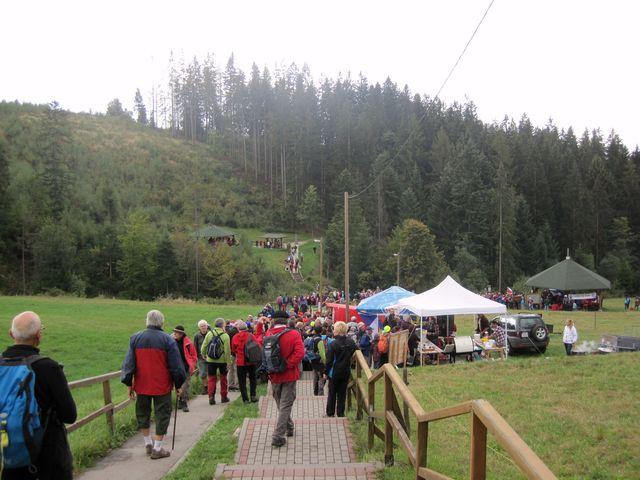 turisté přicházeli z české, slovenské i polské strany