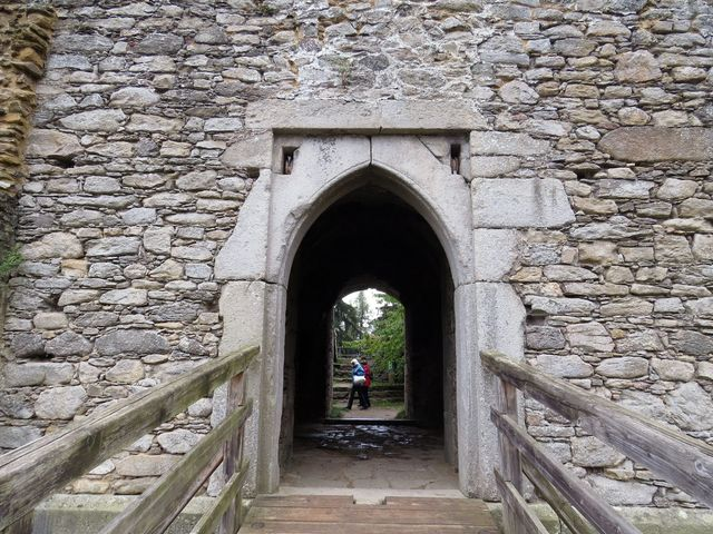 hradní areál prochází stále opravami