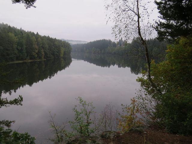 vody říčky Hejlovky a Jankovského potoka plní nádrž Sedlice - z ní už vytéká Želivka, největší zdroj pitné vody pro Prahu a Střední Čechy
