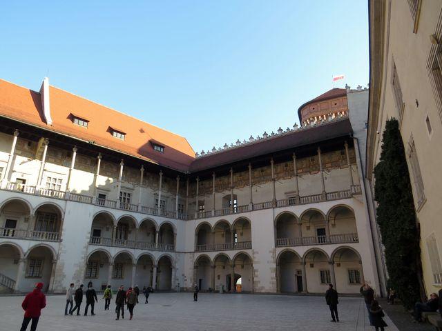 arkádové nádvoří královského hradu Wawel