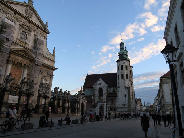 na Grodské ulici, nejstarší části centra města, tzv. Královské cestě, je kostel sv. Ondřeje z 11. století, který přestál tatarský nájezd v roce 1241