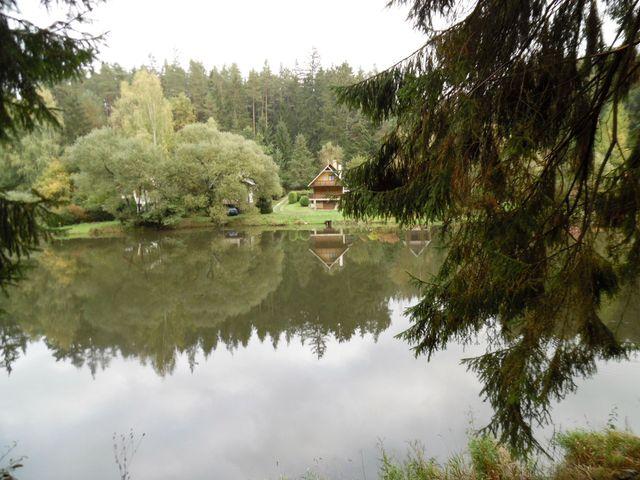 vodní nádrž Vřesník slouží také k rekreaci a rybolovu; foto L. Tomáš