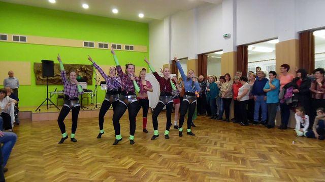 tanečníci rokenrolového klubu Elvis vždycky přivezou nový atraktivní program; foto L. Tomáš