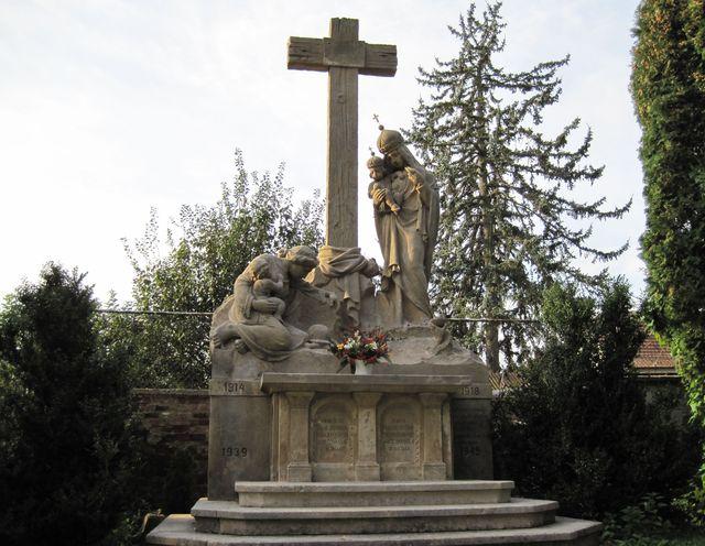 Památník padlých v obou válkách
