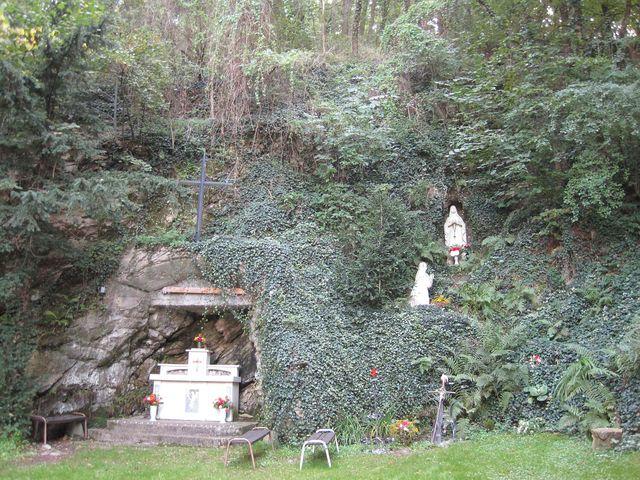 Lurdská jeskyně v září 2010