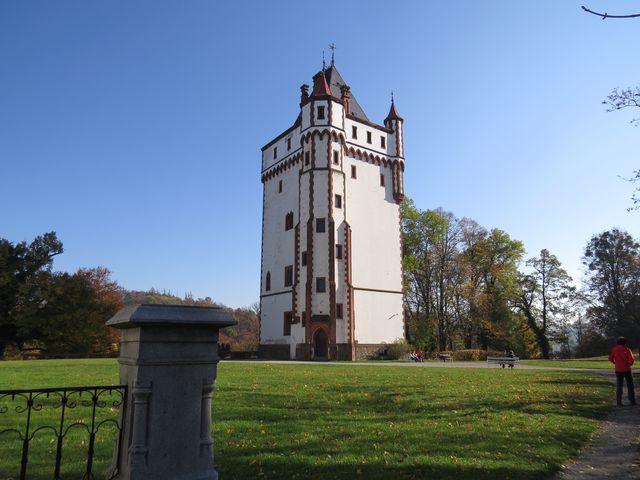 za Bílou věží začíná vzácný park vybudovaný na začátku 19. století