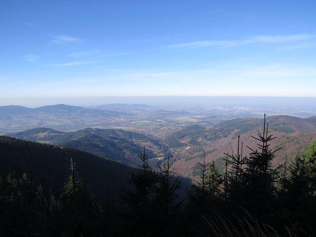 výhled ze svahu Lysé hory