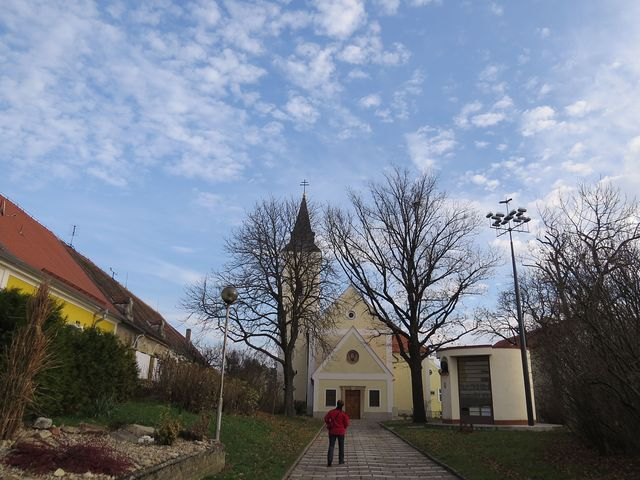 kostel sv. Markéty v Příměticích, památník Prokopa Diviše a replika bleskosvodu