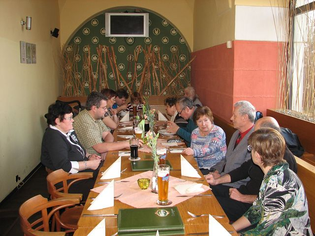 pozdní pracovní oběd - hodnocení průběhu konference; foto F. Janeček