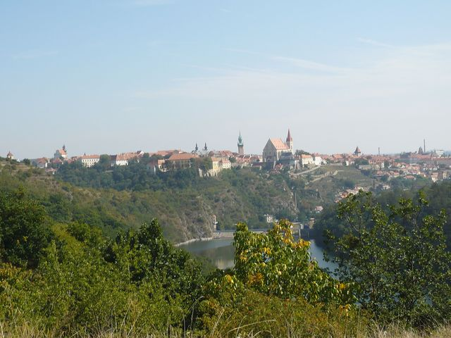 historické centrum Znojma z vyhlídky na Kraví hoře