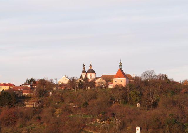 pohled na Hradiště přes Gránické údolí od znojemského hradu