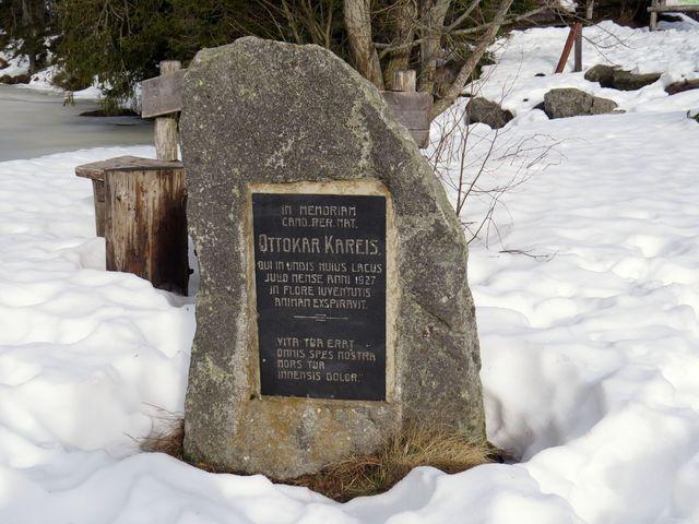 v červenci roku 1927 se v jezeře utopil student Otakar Karejs