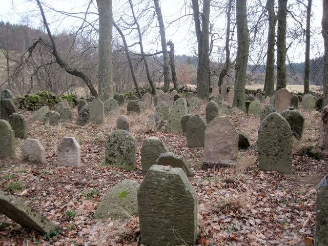 hřbitov byl založen asi v polovině 17. století