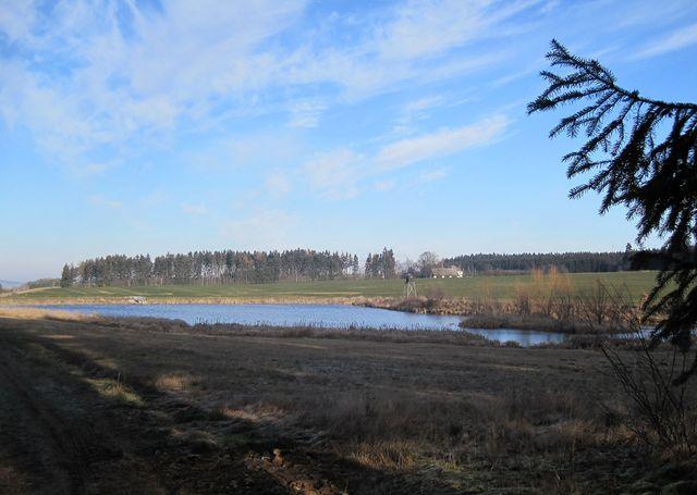 samota Zhořec poblíž průtočných rybníků