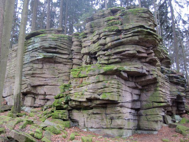 Čertův hrádek leží ve výšce 714 m n.m.