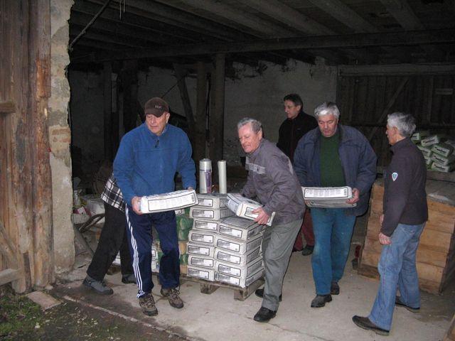 nakládání betonu a ostatního materiálu