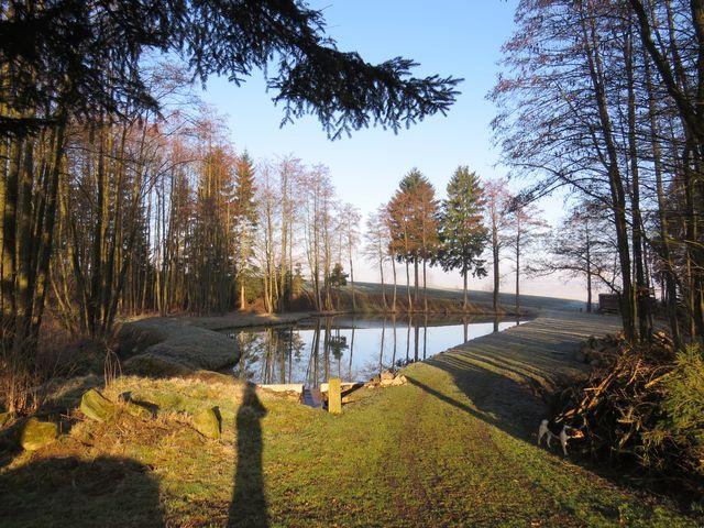 jeden z nadějovských rybníků