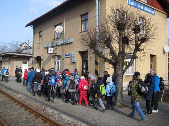 nádraží v Lukách bylo startovním místem vycházky; www.svatosi.cz