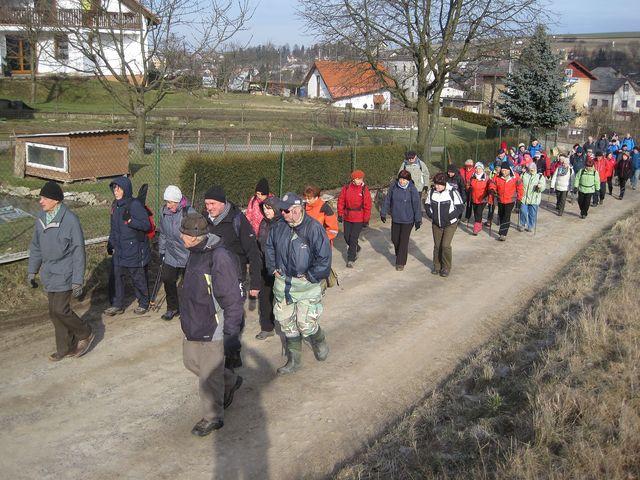 účastníci se vydali směrem k lyžařské sjezdovce na Balkáně