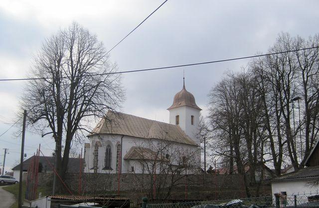 historie kostela sahá až do počátků osidlování Vysočiny