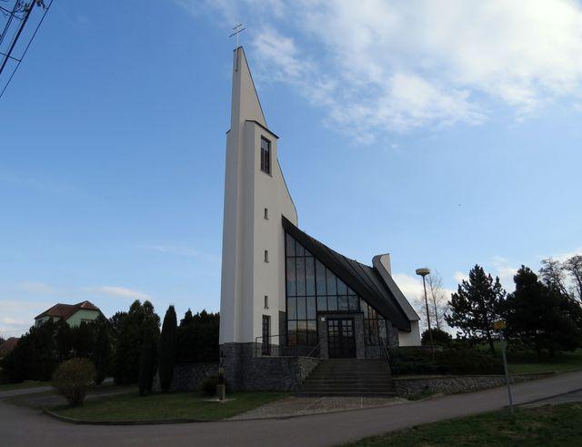 kostel sv. Ludmily v Horní Libochové