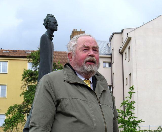 Dr. Šimánek podrobně a se znalostí věci informoval o zrodu sochy GM