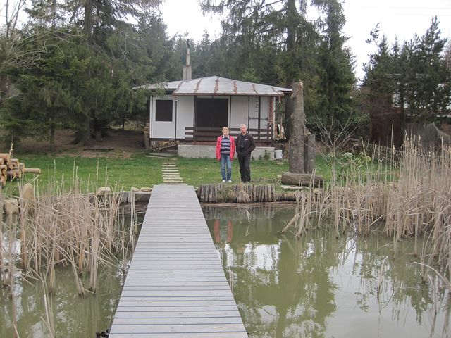 jedna z mnoha chat u Velkého netínského rybníka