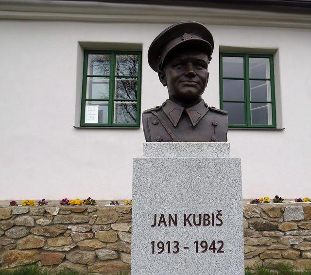 bysta Jana Kubiše je ve Vilémovicích od roku 2013