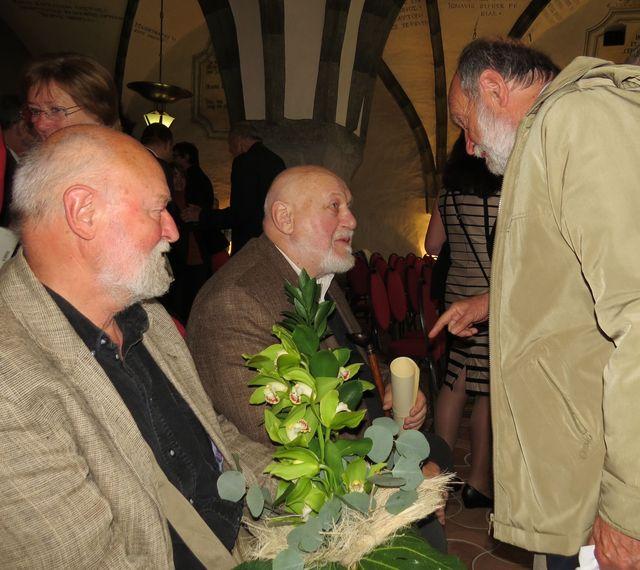prvním gratulantem po skončení oficiální části byl Ing. Josef Poukar