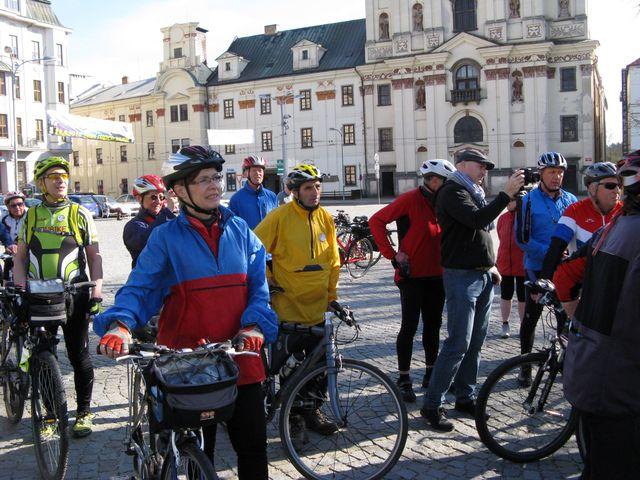 na jihlavské náměstí přijeli i turisté z Telče, Havlíčkova Brodu, Žďáru nad Sázavou, Měřína, Dolní Cerekve - foto jd