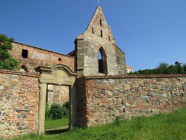 dějiny kláštera sahají do 12. století