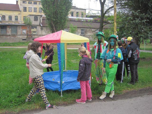 děti v převlecích i ty, které plnily zábavné úkoly, si užívaly nevšední příležitosti