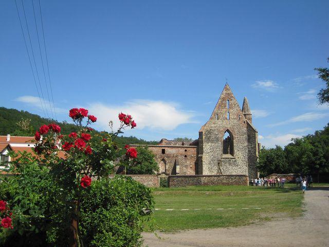 bývalý hospodářský dvůr kláštera v Dolních Kounicích