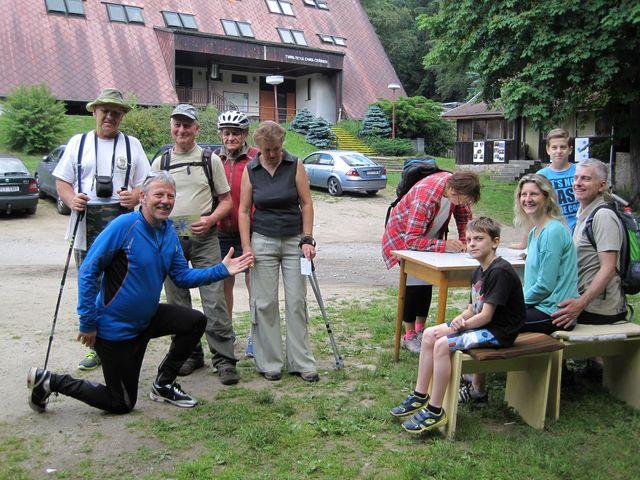 do cíle dorazili turisté z KČT Bedřichov ( Karel Hobza byl stým účastníkem výstupu) a KČT Tesla