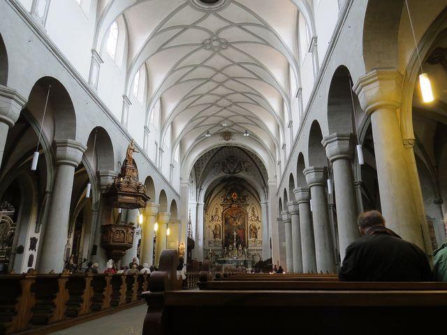 hlavní chrámová loď Münsteru