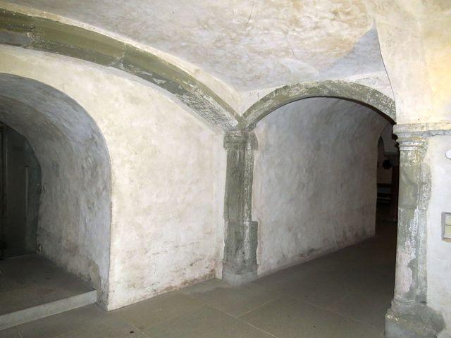 krypta byla součástí původního kostela - asi z 9. století