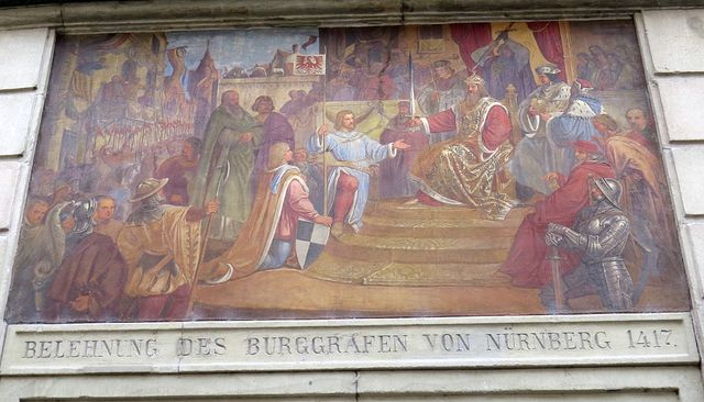 Zikmund Lucemburský uděluje roku 1417 Braniborskou marku v léno Fridrichu VI. z rodu Hohenzollernů (už od roku 1548 však Konstanz patřila Habsburkům)