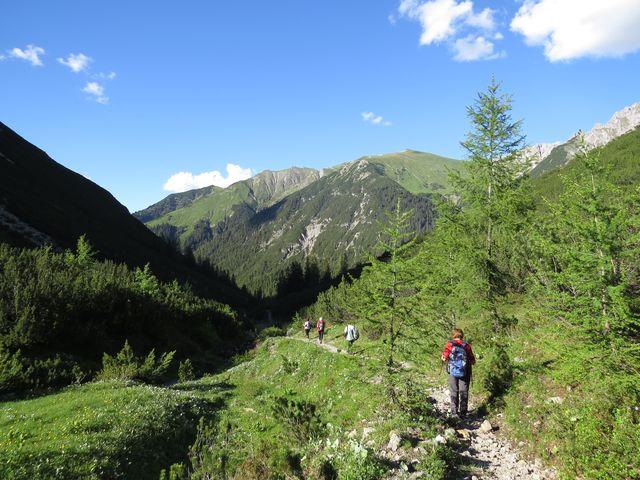 asi 200 metrů jsme si užili vysokohorského chodníku